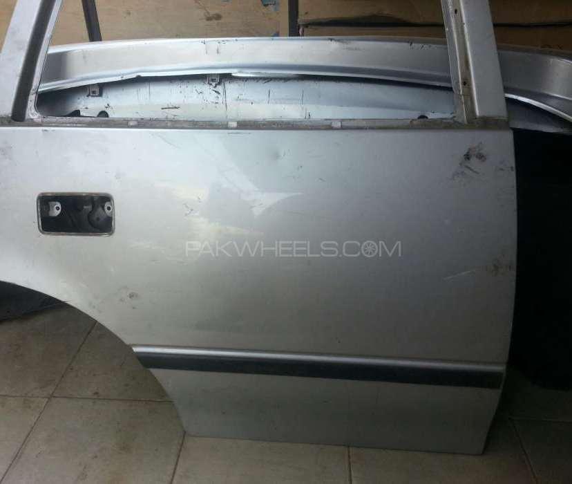 Suzuki cultus door rear right Image-1