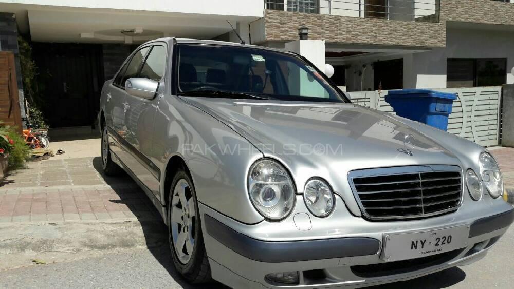 Mercedes Benz Se 220 2001 Image-1