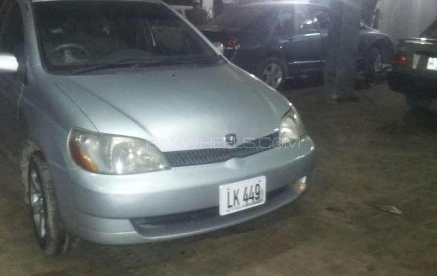 Toyota Platz F 1.0 2001 Image-1