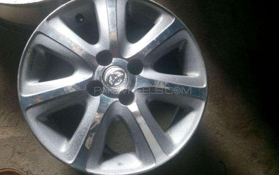 Honda original 2 rims Image-1