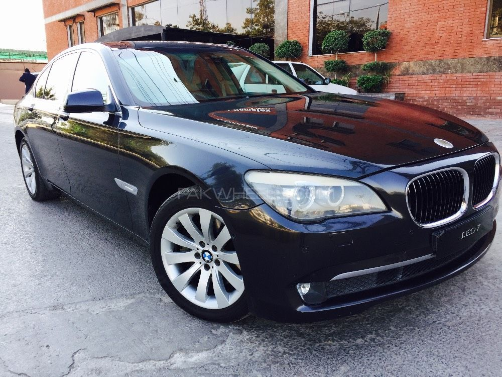 BMW 7 Series 730d 2009 Image-1
