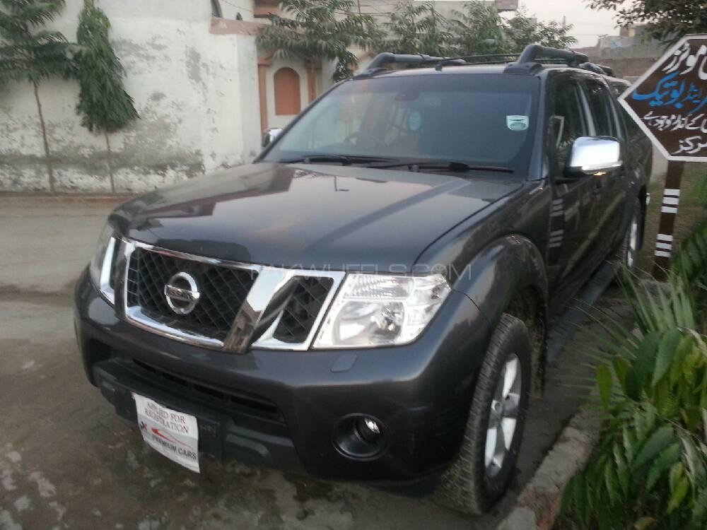 Nissan Navara 2011 Image-1