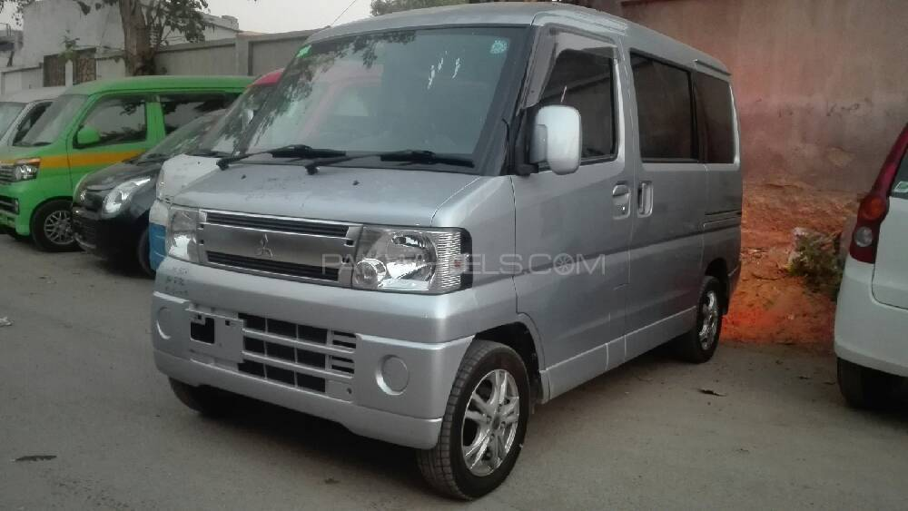 Mitsubishi Town Box 2011 Image-1