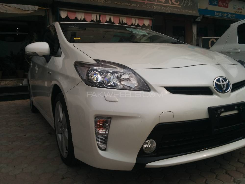 Toyota Prius S Touring Selection 1.8 2014 Image-1