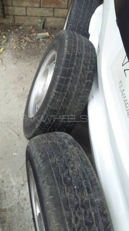 tyres with rims Image-1