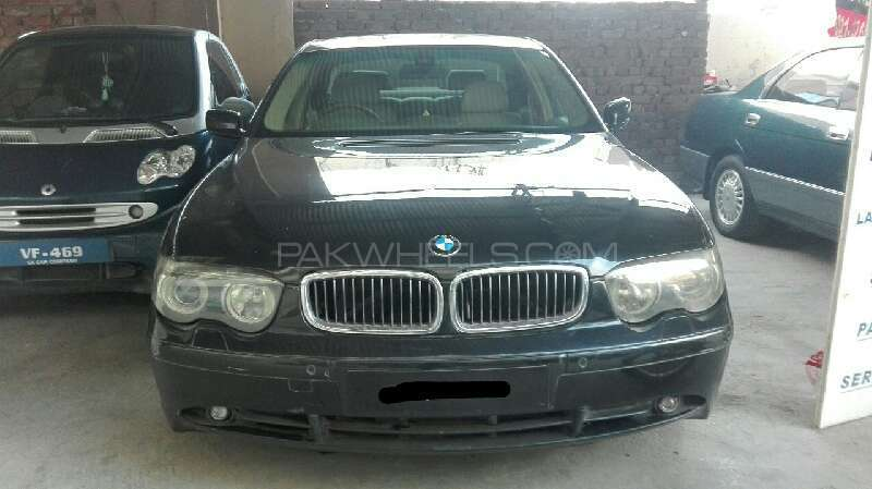 BMW 7 Series 2003 Image-1
