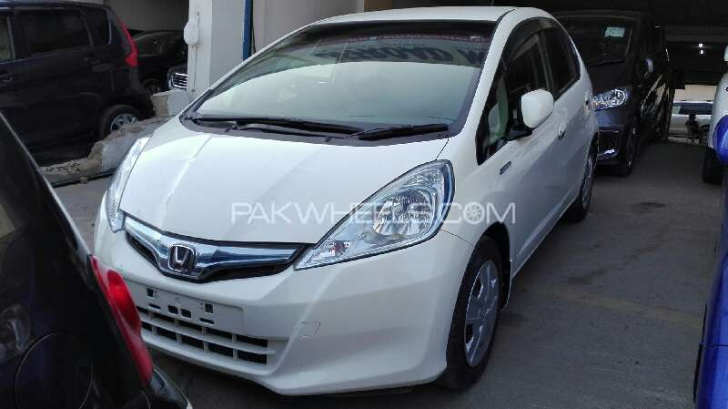 Honda Fit She S 2012 Image-1