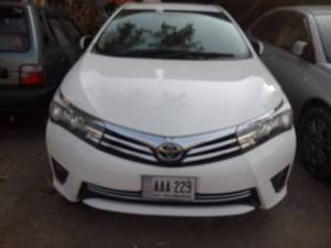 Toyota Corolla Altis Grande CVT-i 1.8 2015 for Sale in Multan