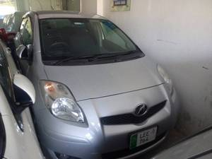 Toyota Vitz F 1.0 2010 for Sale in Multan