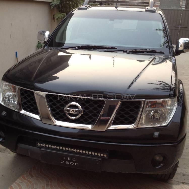 Nissan Navara 2009 Image-1