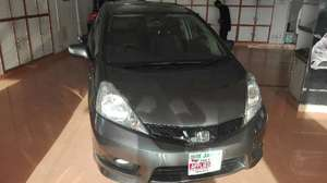 Slide_honda-fit-hybrid-2013-14140550