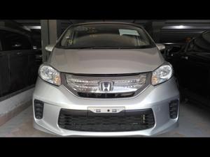 Honda Freed Hybrid 2011 for Sale in Karachi