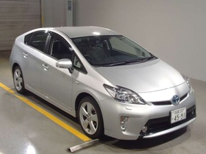 Slide_toyota-prius-g-touring-selection-leather-package-1-8-2013-14149924