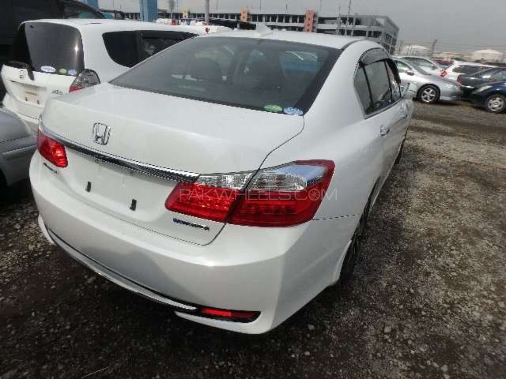 honda accord hybrid 2013 for sale in lahore pakwheels. Black Bedroom Furniture Sets. Home Design Ideas