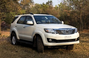 Slide_toyota-fortuner-2-7-automatic-2013-14427195