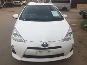 Toyota Aqua S 2013 for Sale in Karachi