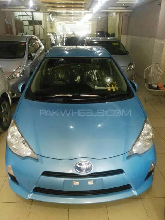Toyota Aqua S 2012 Image-1
