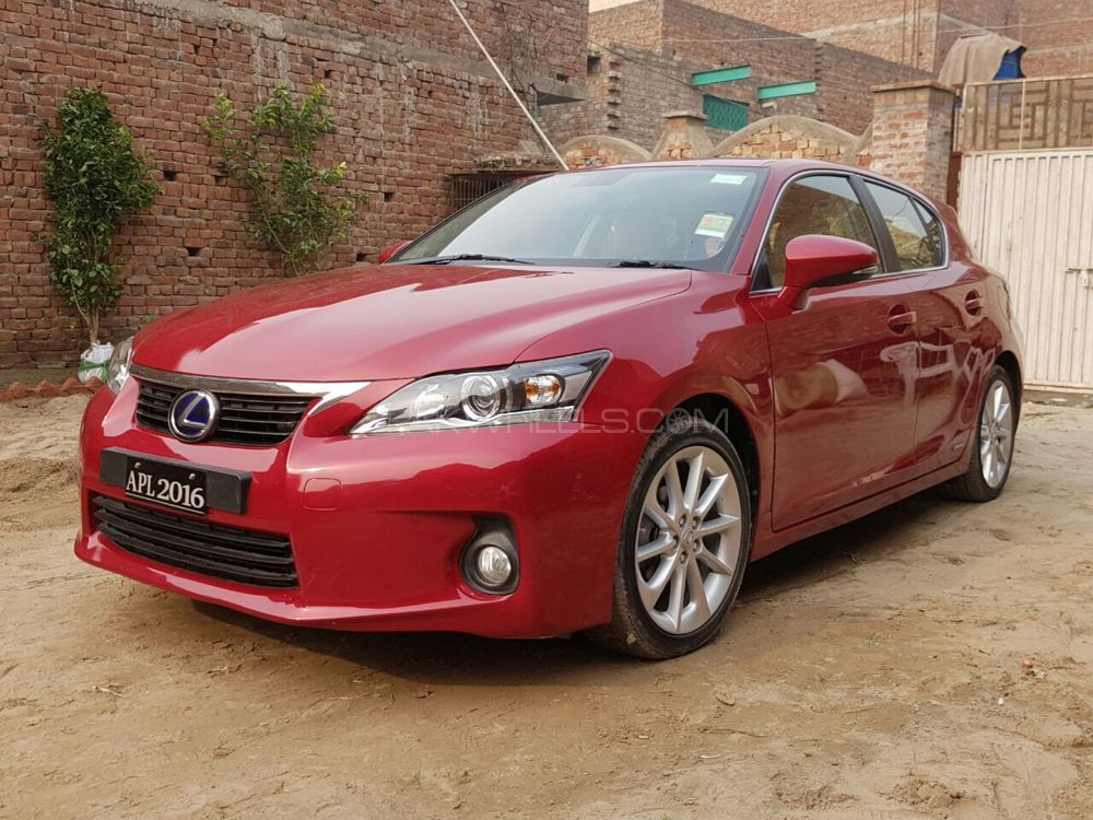 lexus ct200h f sport 2013 for sale in lahore pakwheels. Black Bedroom Furniture Sets. Home Design Ideas