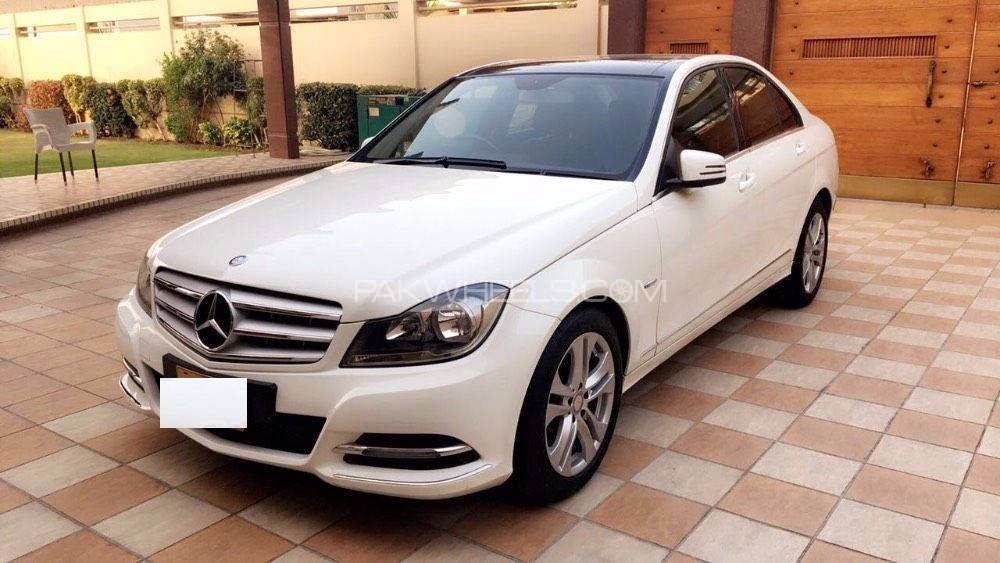 mercedes benz c class c200 2011 for sale in karachi pakwheels. Black Bedroom Furniture Sets. Home Design Ideas