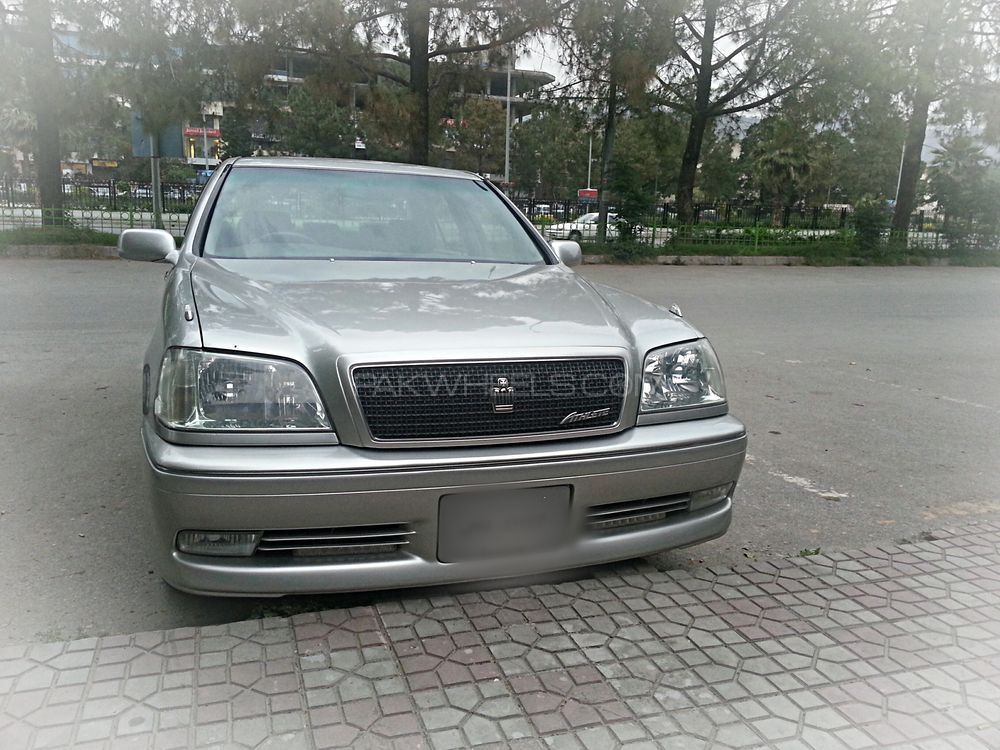 Toyota Crown 2000 Image-1