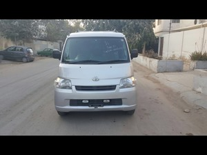 Toyota Town Ace 2011 for Sale in Karachi