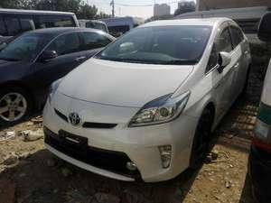 Toyota Prius G 1.8 2014 for Sale in Karachi