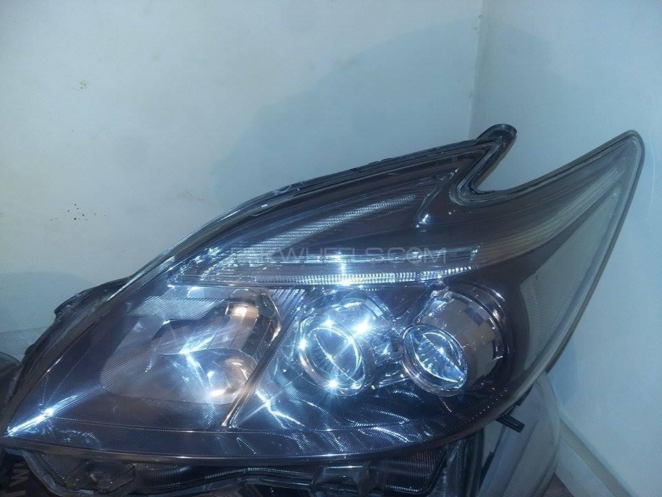 prius new model headlight Image-1
