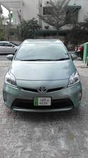 Slide_toyota-prius-g-led-edition-1-8-2013-15183321