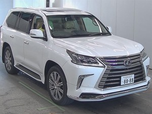 Slide_lexus-lx-series-lx570-2015-15239033