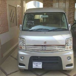 Slide_suzuki-every-wagon-pz-turbo-special-2011-15267914