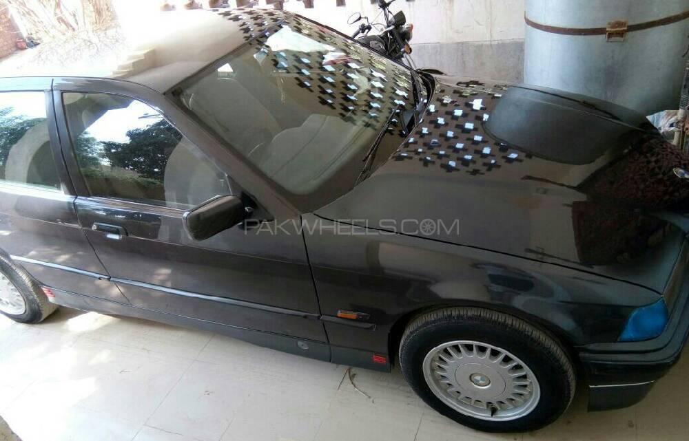 BMW 3 Series 318i 1992 Image-1