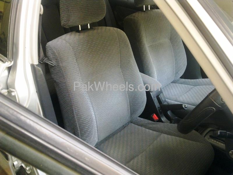 Honda Civic VTi Oriel Prosmatec 1.6 2000 Image-3
