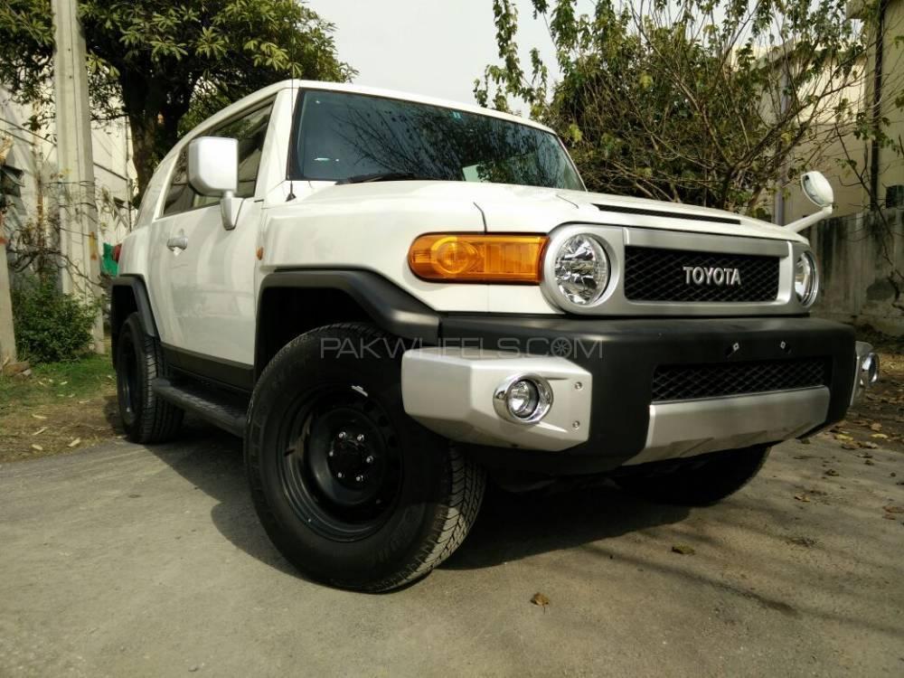 Toyota Fj Cruiser Automatic 2012 Image-1