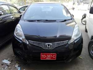 Slide_honda-fit-hybrid-base-grade-1-3-2012-15956490