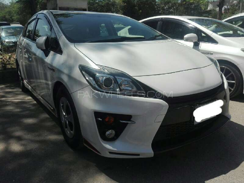 toyota prius g 1 8 2015 for sale in islamabad pakwheels. Black Bedroom Furniture Sets. Home Design Ideas