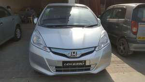 Slide_honda-fit-hybrid-10th-anniversary-11-2012-15986606
