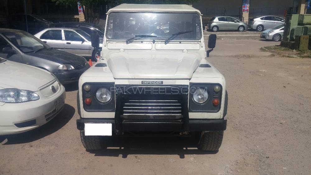 Land Rover Defender 110 SW 2006 Image-1