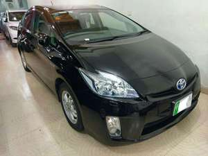 Slide_toyota-prius-g-led-edition-1-8-2011-16057410