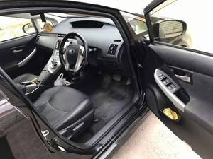 Slide_toyota-prius-g-touring-selection-leather-package-1-8-2012-16107001