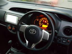 Slide_toyota-vitz-f-intelligent-package-2016-16100650