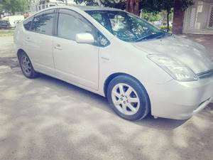 Slide_toyota-prius-s-touring-selection-1-5-2007-16137114