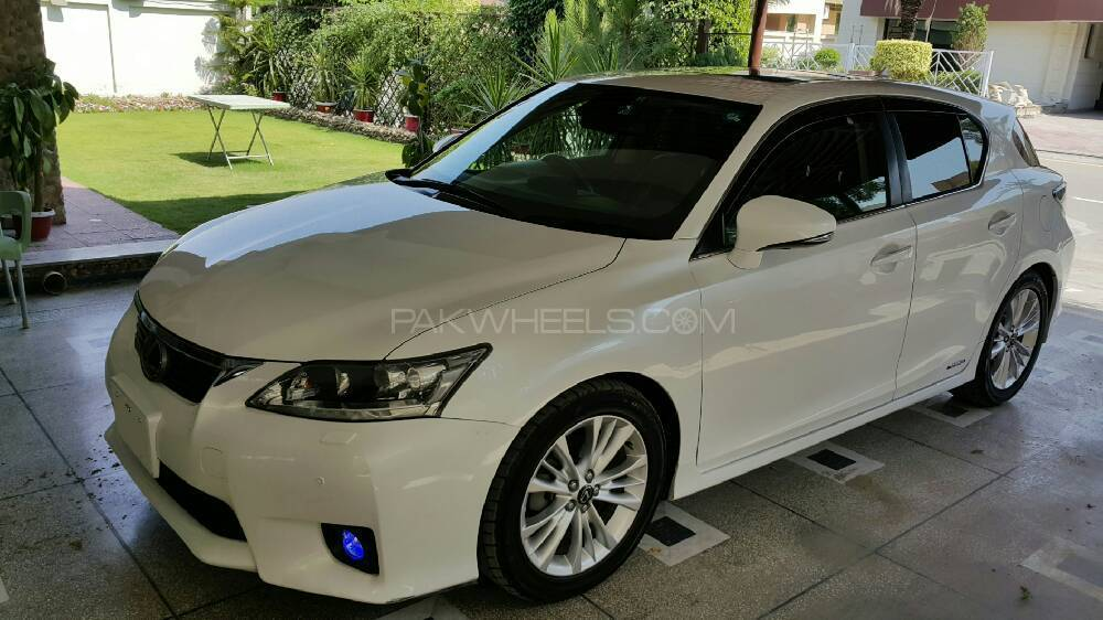 lexus ct200h f sport 2011 for sale in islamabad pakwheels. Black Bedroom Furniture Sets. Home Design Ideas