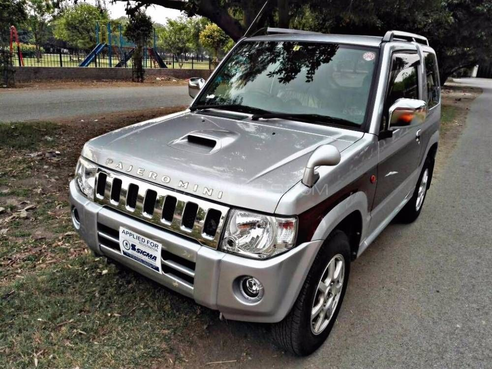 mitsubishi pajero mini limited 2012 for sale in lahore