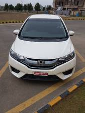 Slide_honda-fit-x-l-package-2-2014-16529339