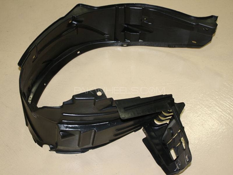 Honda Civic 2002-2004 RH or LH Fender shield 1pc in Lahore