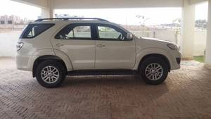 Slide_toyota-fortuner-2-7-automatic-2013-16596925