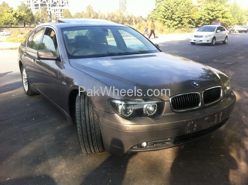 BMW 7 Series 2003 Image-2