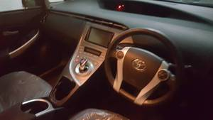 Slide_toyota-prius-s-touring-selection-gs-1-8-2013-16743728