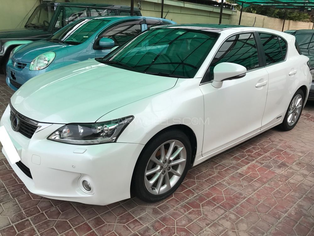 lexus ct200h version c 2011 for sale in islamabad pakwheels. Black Bedroom Furniture Sets. Home Design Ideas