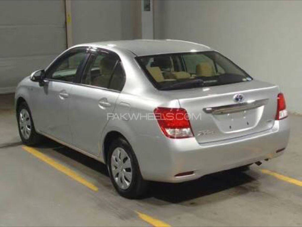 Toyota Corolla Axio Hybrid 1 5 2017 For Sale In Lahore